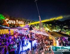 WooMooN at Cova Santa, Ibiza