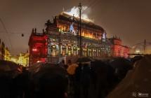 Budova Národního divadla ožila interaktivním videomappingem a ozvučením od KV2